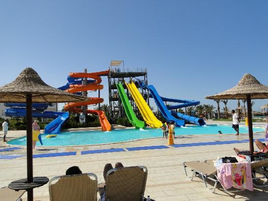 Jaz Aquamarine Resort : Allez les enfants...