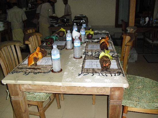 Villa Agung Khalia: Outdoor table for dinner/events