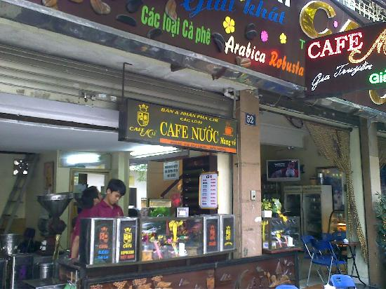 Cafe Mai: shop front