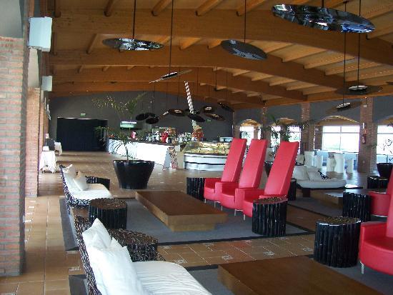 Cambrils Park Resort: Inside Bar