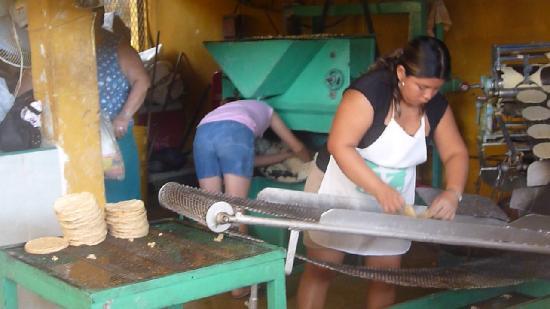 Big Mercado: Mercado...making tortillas