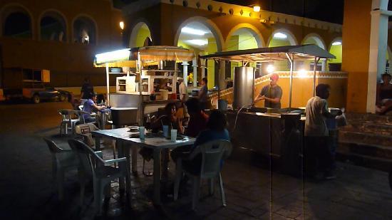 Big Mercado: Mercado at night