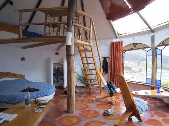 Las Olas: loft area