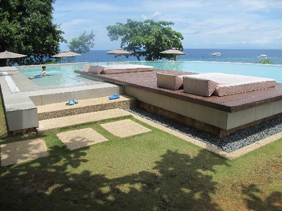 Panglao, Philippines: infinity pool. we were lucky to have this to ourselves for a night!
