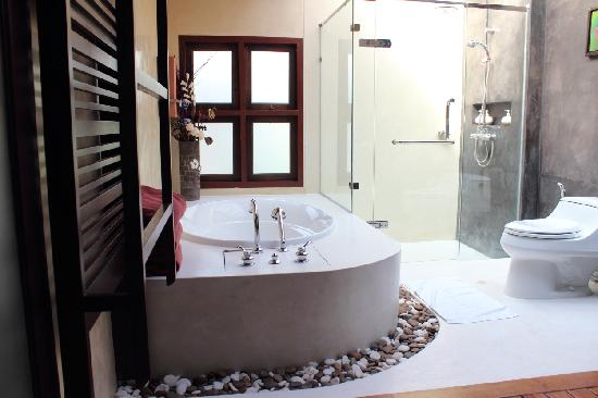 Ao Nang Phu Pi Maan Resort & Spa : Lovely bathroom