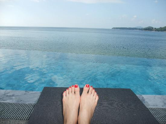 "Cape Sienna Hotel & Villas: Infinity pool at Sienna Rocks ""beach club,"" part of hotel"