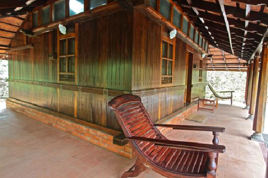 Rain Country Resorts, Lakkidi,Wayanad : Rain Country Resorts, Wayanad, Kerala: The perfect verandahs to have your tea in