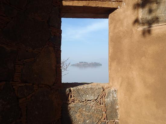Hacienda Ucazanaztacua: Glimpse at a lake island - just another attention to detail with this well placed window