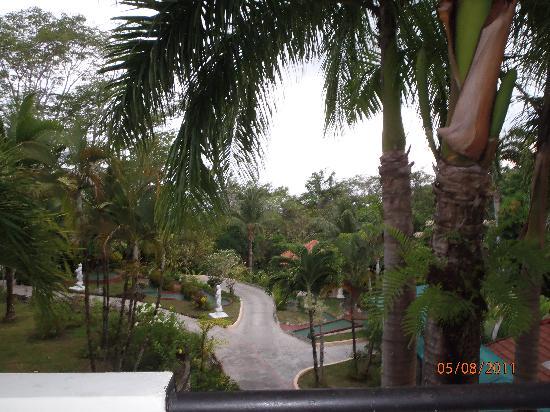 Hotel Parador: Superior Garden Room balcony view