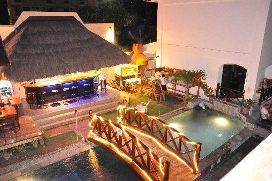Nirvana Beach Resort: Night view.