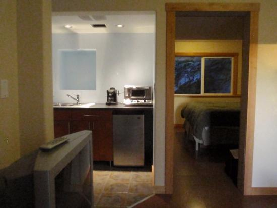 Sea Dreamer Guest House: Kitchenette