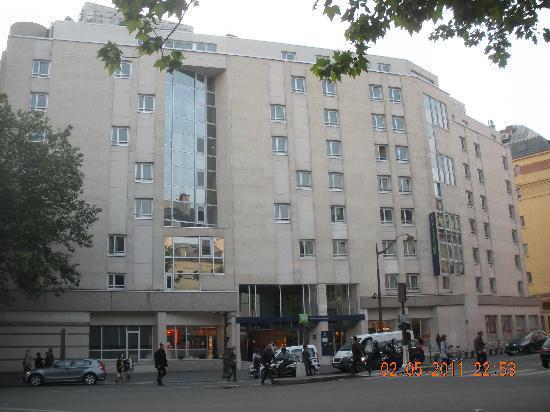 Ibis Styles Paris Gare de l'Est Chateau Landon: Hotel view