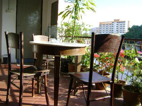 River View Guest House: Some of the chairs on the balcony