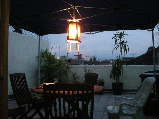 Roof Top Guest House Melaka: Up On The Roof.