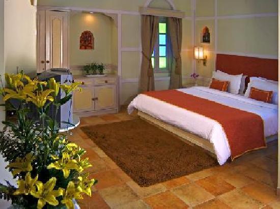 Heritage Village Resort & Spa Manesar : Room