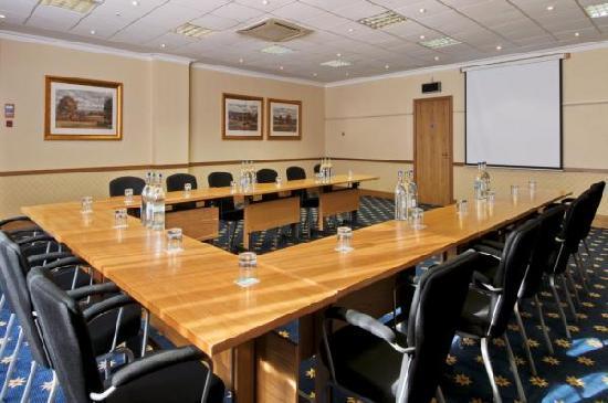 Hilton Warwick / Stratford-upon-Avon: Charlecote Meeting Room