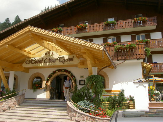Hotel Cesa Tyrol : ENTRATA HOTEL