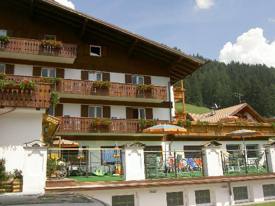 Hotel Cesa Tyrol : HOTEL