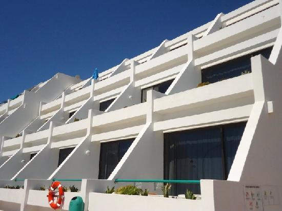 Apartamentos Sanfe: Out balcony, bottom end one