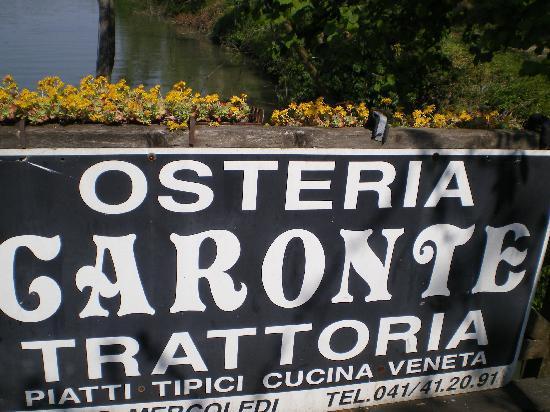 Osteria da Caronte: Il pontile sul Brenta