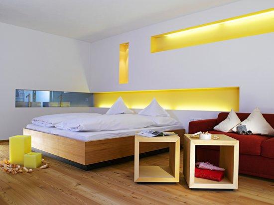 Hotel Monika: Bergfeuer