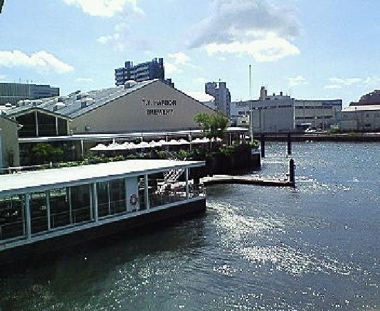 Shinagawa, Japon : TY Harbor Brewery restaurant in Tennozu