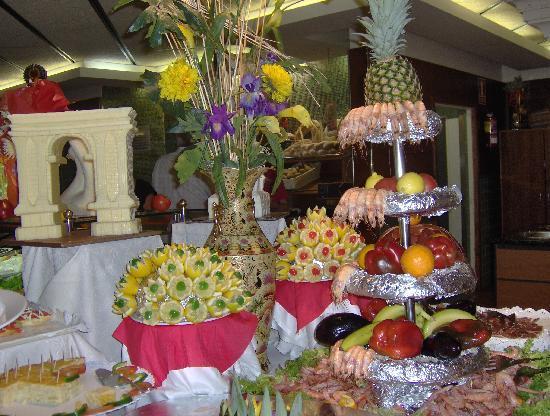 Golden Port Salou: gala theme night evening meal