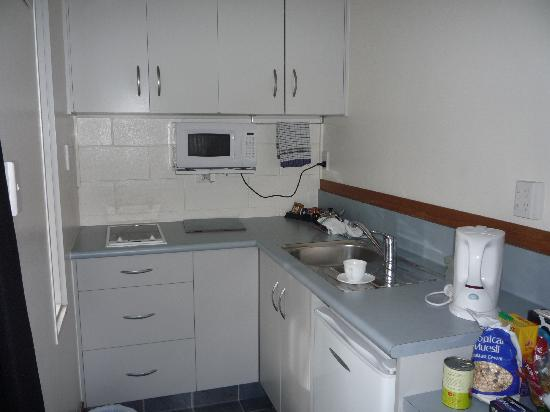 Rolleston Motel: Kitchenette