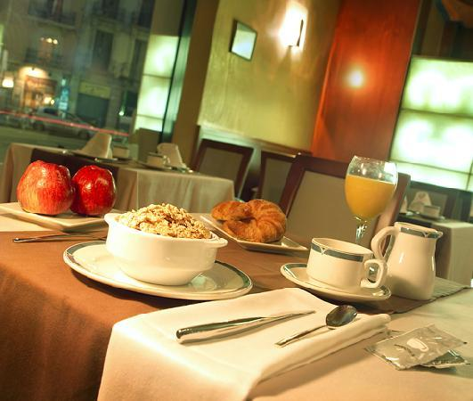Hotel Garbi Millenni: Desayuno -Millenni Hotel