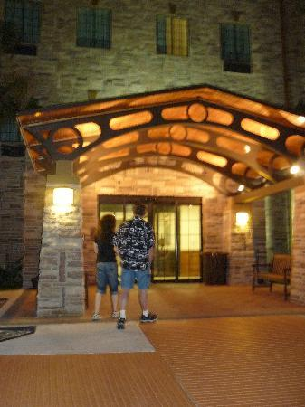 Staybridge Suites Corpus Christi: main entrance