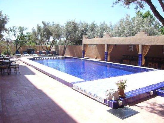 Kasbah Ait Ben Damiette: la piscine