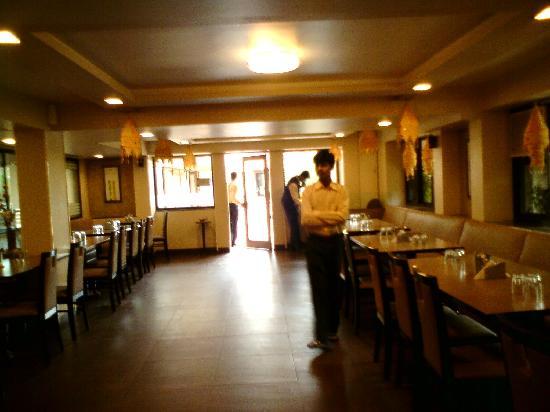 โรงแรมสะเกตพลาซา: restaurant