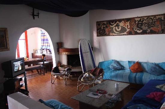 Pure Blue Surf Adventures Morocco : Cozy place to read a surf mag & enjoy a cuppa