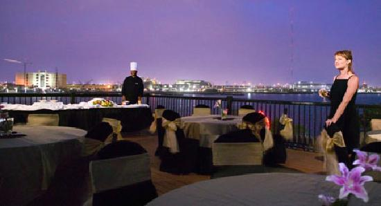 Lexington Hotel & Conference Center - Jacksonville Riverwalk: BREATHTAKING VIEWS OF THE JACKSONVILLE SKYLINE