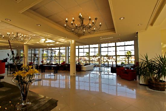Rosa Agustina Conference Resort & Spa: Lobby