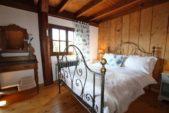 Chalet Isabella: Bedroom  2 with en suite