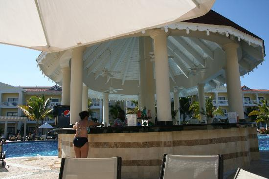 Bar by the swimming pool