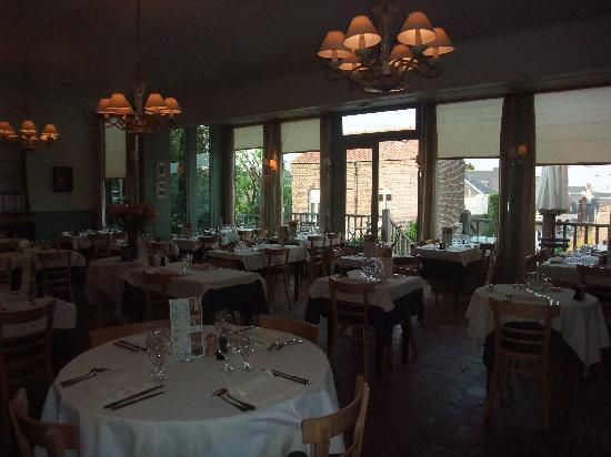 Les Tourelles: Restaurant