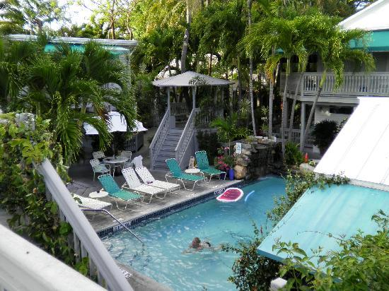 Happy hour picture of eden house key west tripadvisor for Garden pool west allis