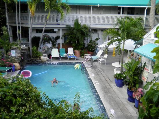 Front picture of eden house key west tripadvisor for Garden pool west allis