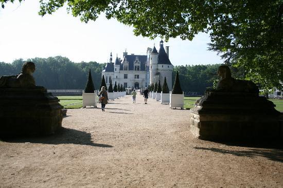 Loire Valley Time Travel Day Tours : Chenonceau