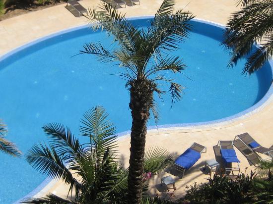 Almancil, Portugal: zwembad met mooie terras & buiten douche