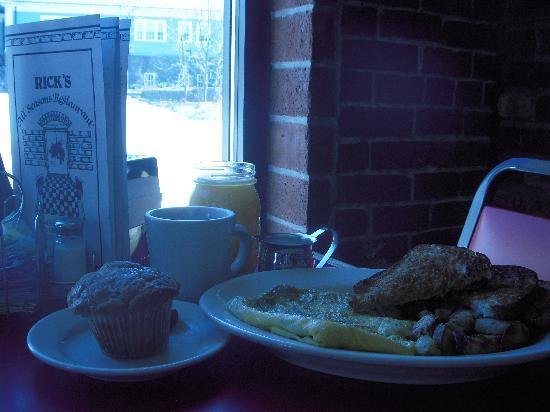 Rick's All Seasons Restaurant: Perfect breakfast for one