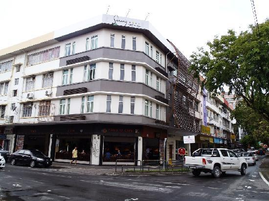 KK Suites Hotel: The hotel from across the street - Jalan Gaya