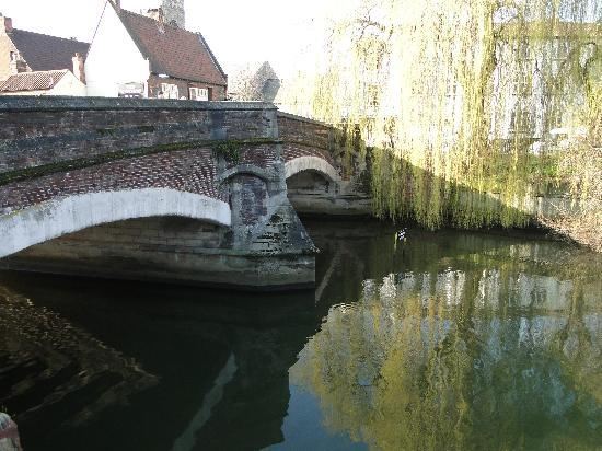Norwich, UK: Medieval Bridge