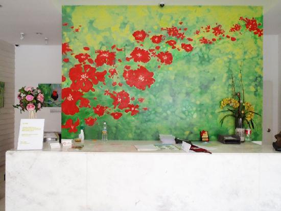 KK Suites Hotel: Lobby - Reception