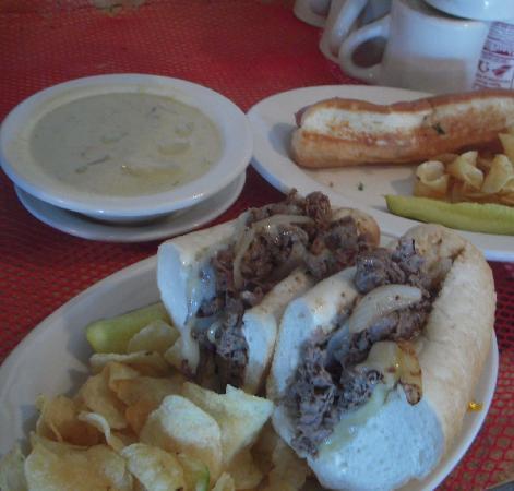 Rick's Restaurant: Steak Bomb!