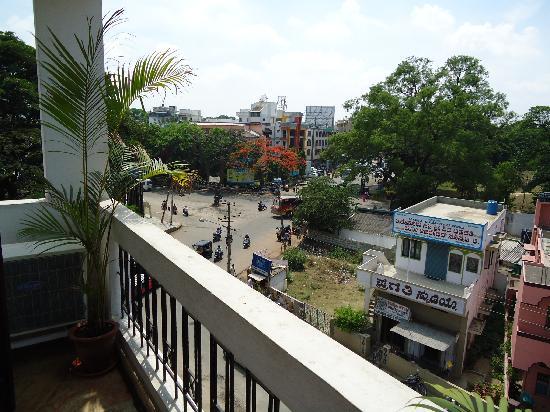 Hotel Crystal Paark Inn: View from window 3rd floor