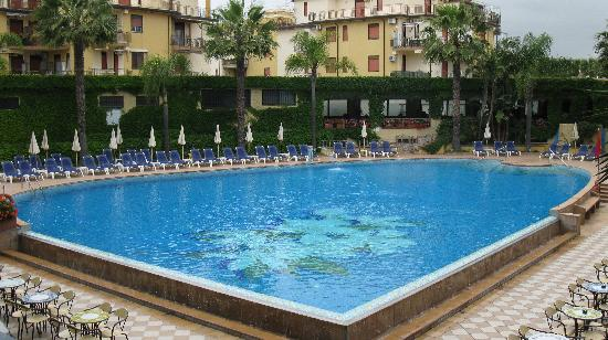 Hotel Caesar Palace: piscina