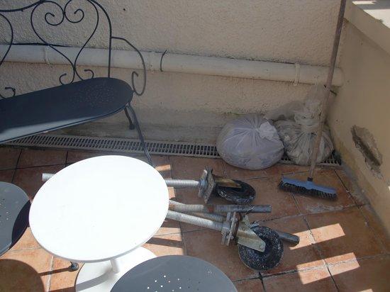 Hotel Restaurant L'O: encore les travaux !!